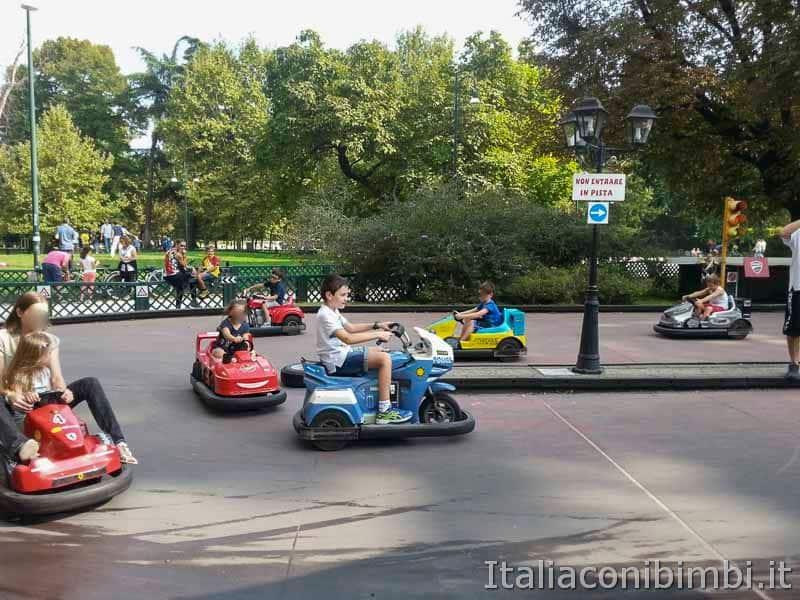 Milano - parco Sempione macchinine