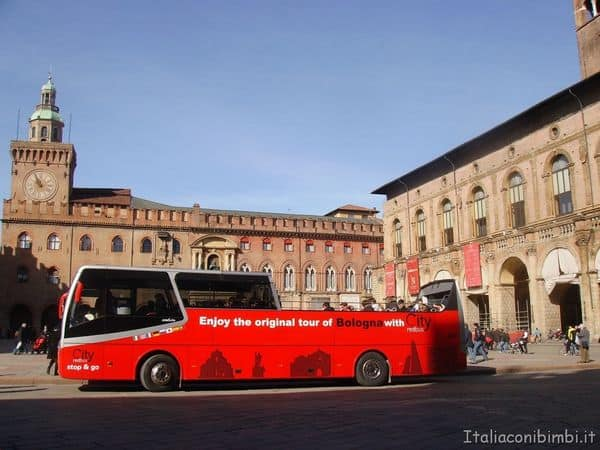 red bus Bologna