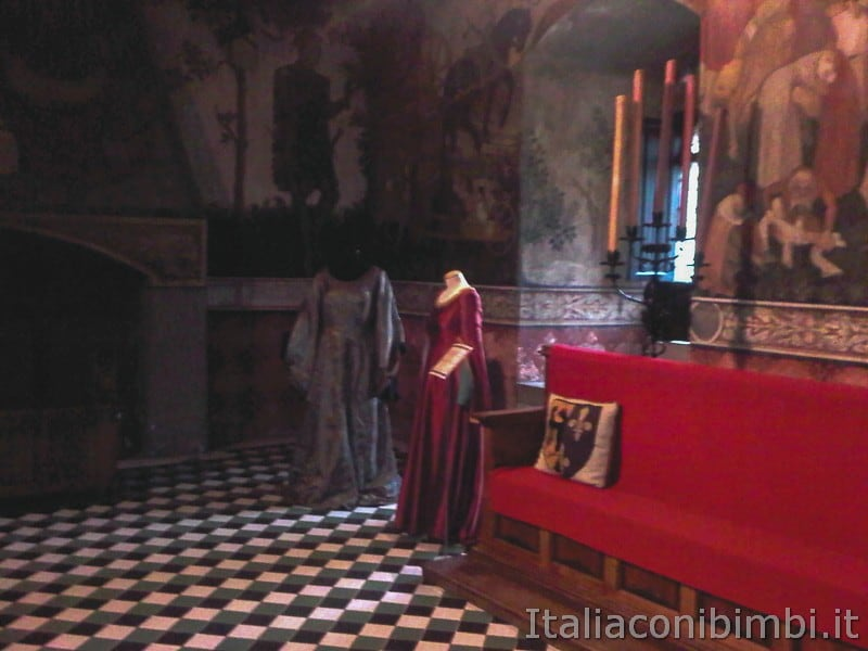 Torino - borgo medievale sala del castello