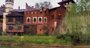 Torino - borgo medievale visto dal battello sul Po