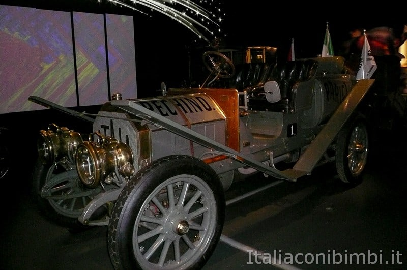 Torino - museo dell'automobile - macchina d'epoca
