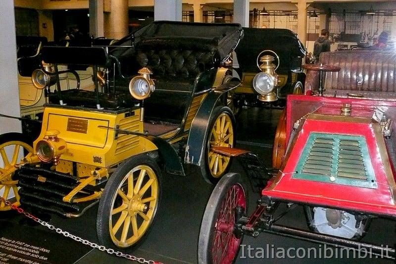 Torino - museo dell'automobile - macchine d'epoca