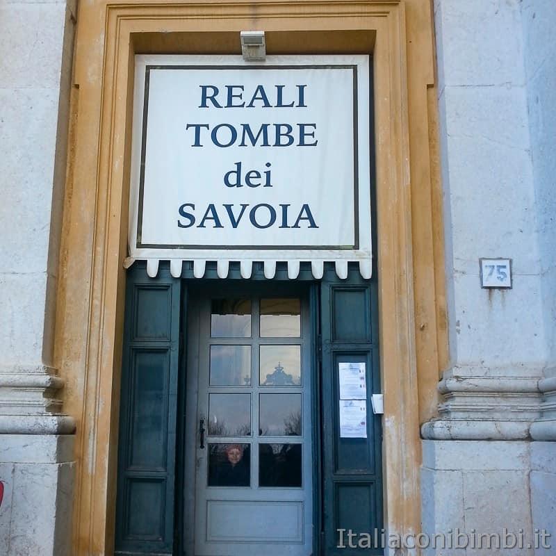 Torino - tombe dei Savoia a Superga