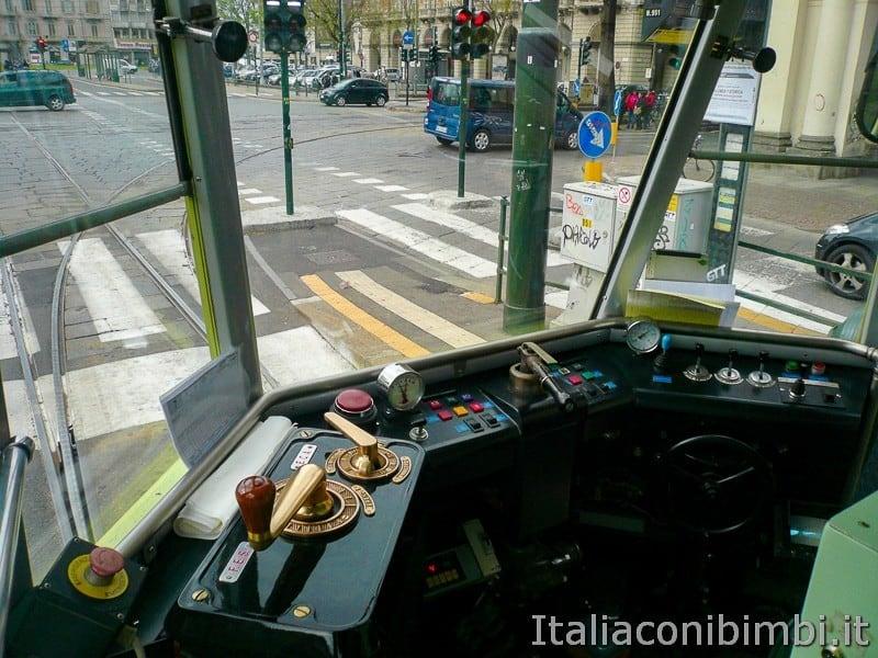 Torino - tram storico numero 7 posto di guida