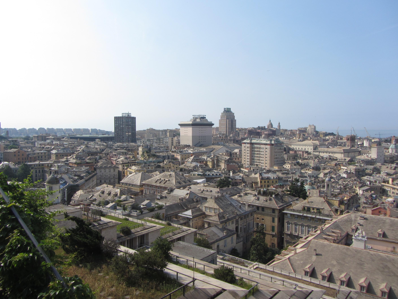 Genova dalla spianata del Castelletto