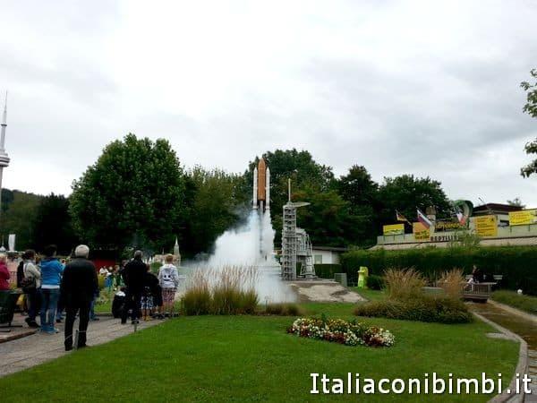 lancio del razzo al Minimundus di Klagenfurt