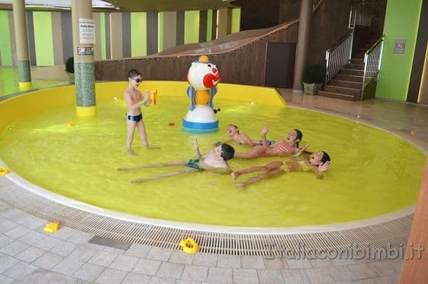 Cavallino Bianco Ortisei piscina baby
