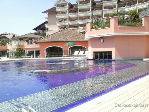 piscina esterna Cavallino Bianco Ortisei