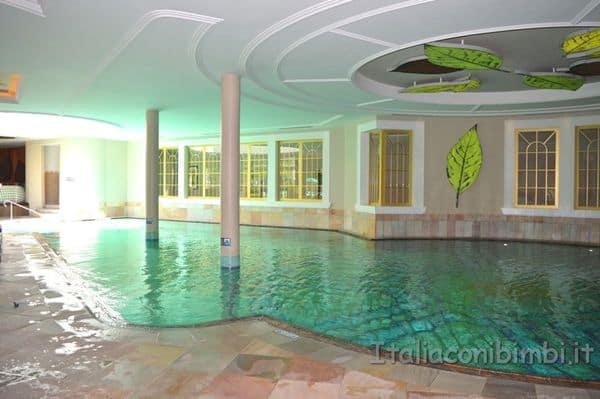 piscina interna Cavallino Bianco Ortisei