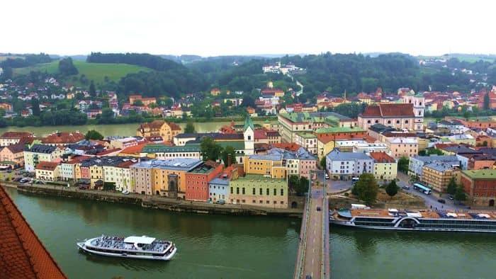 Vista su Passau da dove parte la ciclabile del Danubio