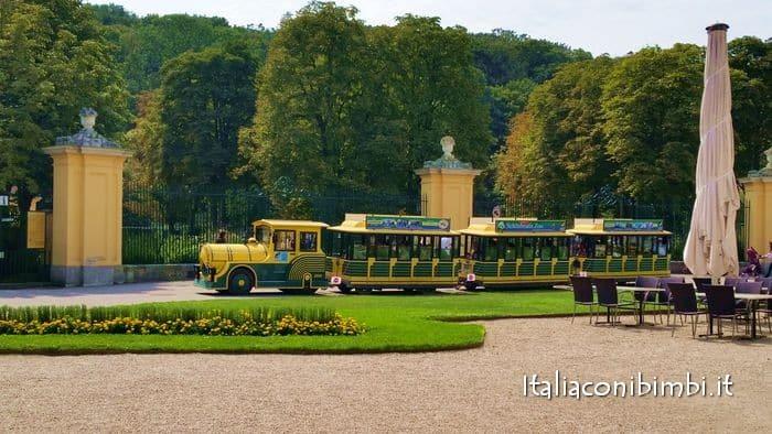 trenino allo zoo di Vienna