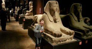 Torino - bambino al Museo Egizio