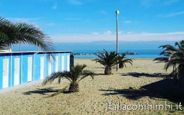 Il mare della Riviera delle Palme
