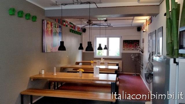 cucina comune all'ostello Five Reasons di Norimberga