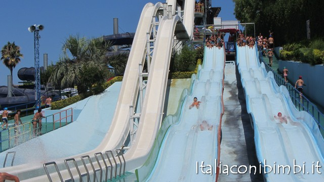 Parchi per bambini in Italia: Acquapark Ondablu di Tortoreto