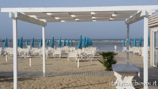 Aperitivo sulla spiaggia a Bellaria Igea Marina