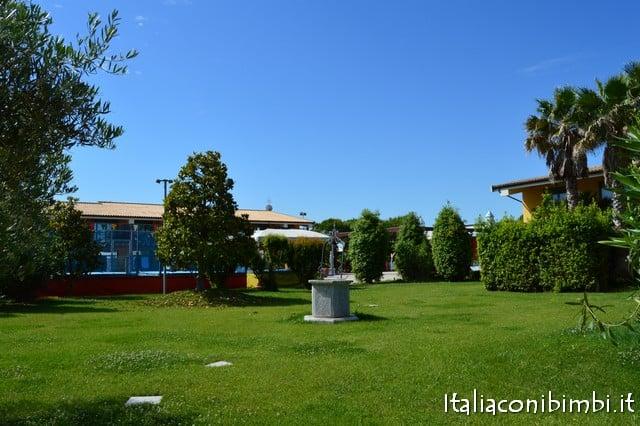 Centro Vacanze De Angelis di Numana area verde