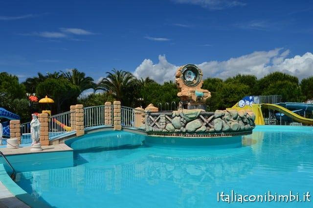 Villaggio vacanze a Numana: Vacanze De Angelis di Numana piscine