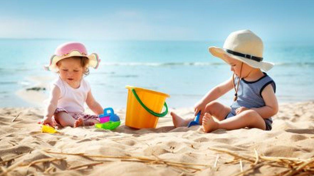 Foto Divertenti Bambini Al Mare vacanze al mare con i bambini: dove andare | italia con i bimbi