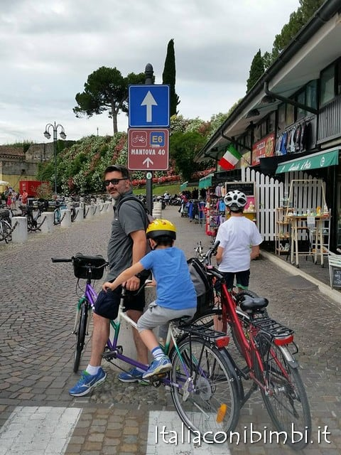 Partenza pista ciclabile Peschiera Mantova