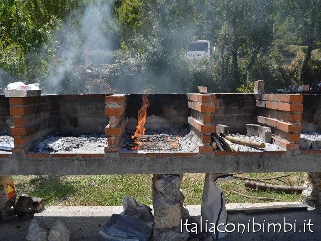 Grotte di Stiffe barbecue ad uso comune