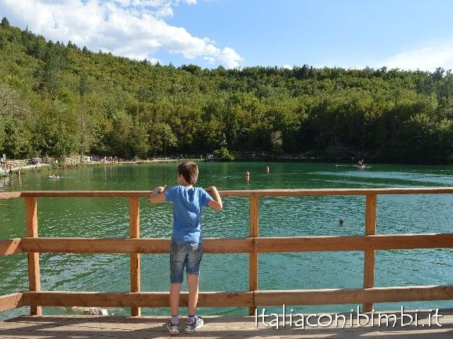 Lago di Sinizzo con bambini