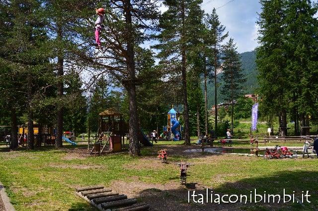 Montagna con bambini: parco giochi a Campitello di Fassa