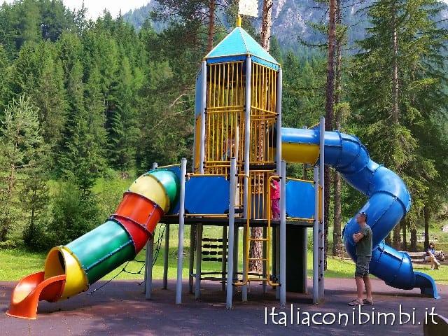 Parco giochi a Campitello di Fassa scivolo