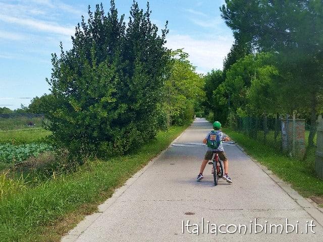 A Venezia con i bambini in bicicletta a Sant'Erasmo