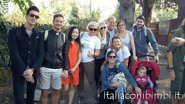 Gruppo di pellegrini sulla Via Amerina a Italia Wonder Ways