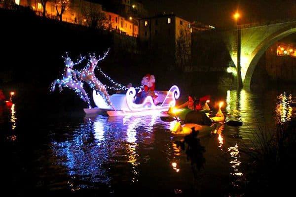 Banno Natale in canoa a Fossombrone