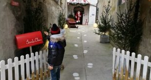 ingresso alla casa di Babbo Natale di Mombaroccio