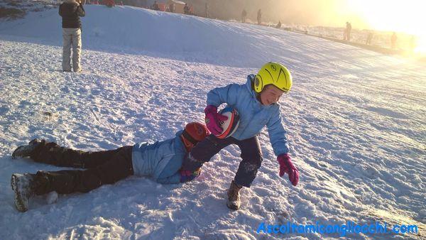 Bambini sulla neve foto di Ascoltami con gli occhi