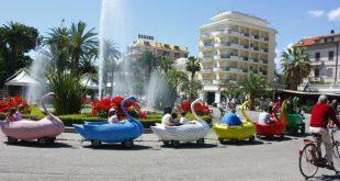 La fontana con il treno dei cigni a San Benedetto del Tronto