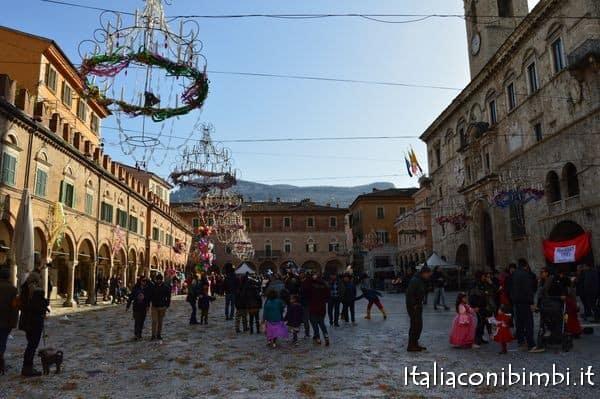carnevale-di-ascoli-piceno-2017-piazza-del-popolo