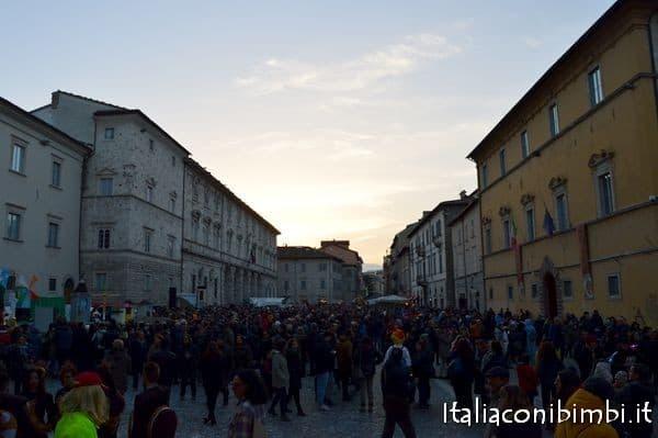 piazza-arringo-al-carnevale-di-ascoli-piceno