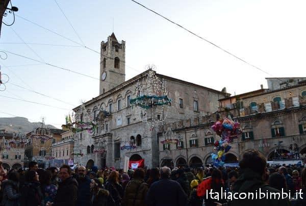 piazza-del-polo-al-carnevale-di-ascoli-piceno