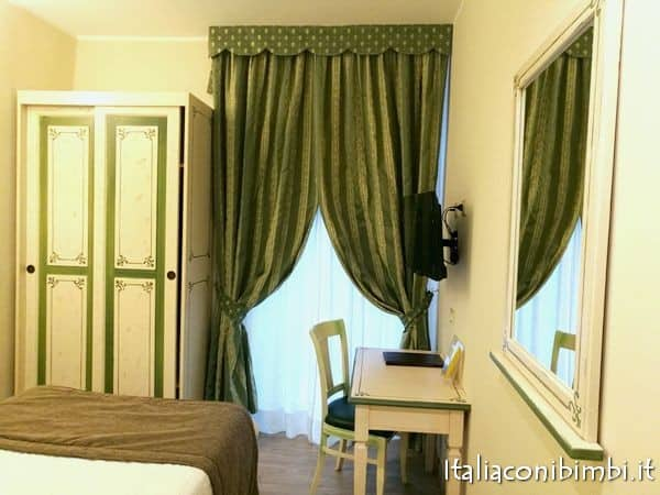 Camera da letto dell'Hotel Borgo Antico Como