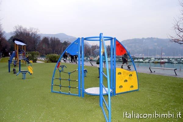 Parco giochi lungolago Como