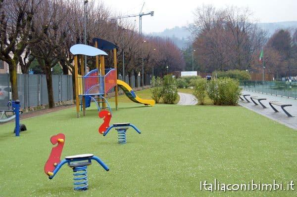 Parco giochi lungolago