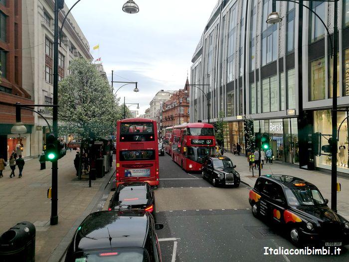 Autobus a due piani a Londra