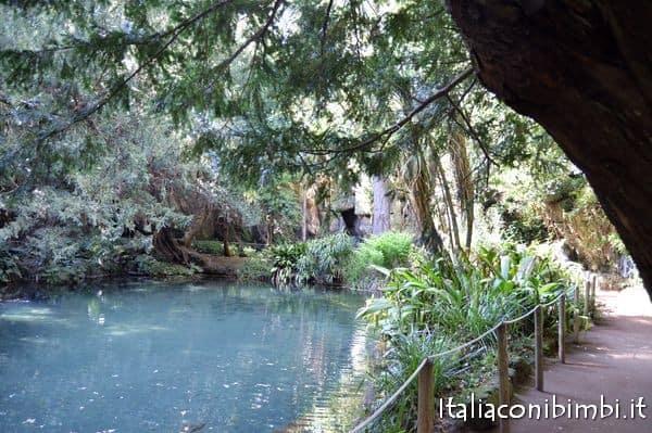 Giardini inglesi alla Reggia di Caserta bagni di Venere