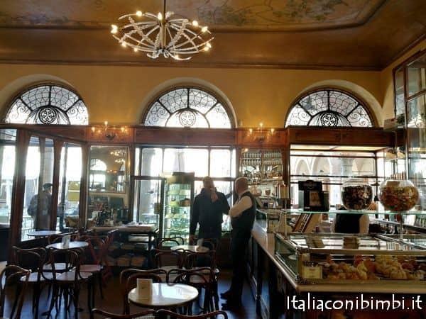 Interno del Meletti ad Ascoli Piceno