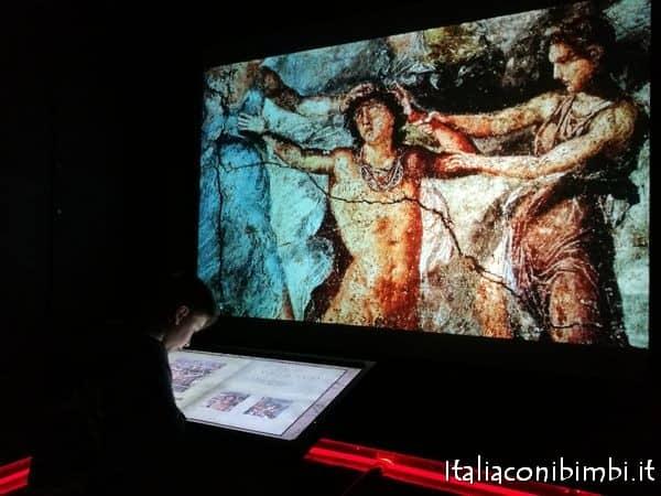 libro virtuale da sfogliare al MAV museo archeologico virtuale ad Ercolano