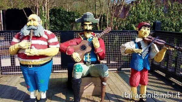 pirati che cantano a Legoland Windsor