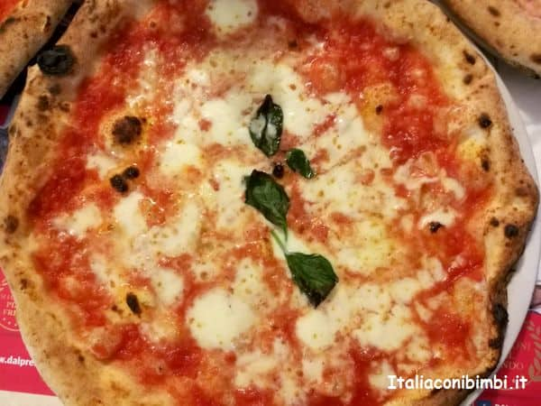 Pizza napoletana alla Pizzeria il Presidente