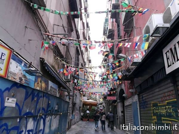 vicoli di Napoli