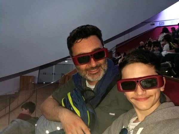 occhiali in 3D al Planetario di Città della Scienza di Napoli
