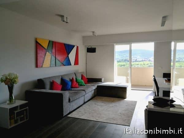 salotto appartamento airbnb Perugia