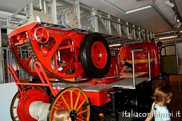 Deutsches Museum area bimbi camion dei pompieri